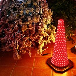 Декорация электр Конус светящийся красный (564-02)