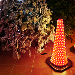 Декорация электр Конус светящийся оранжевый (564-08)